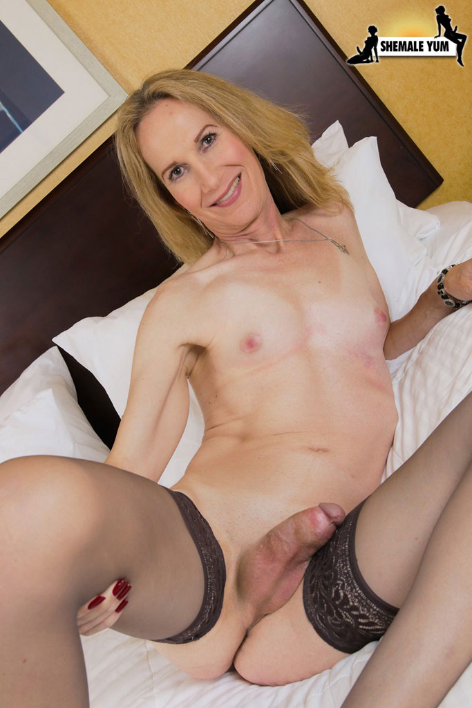 mature anal tube shemale escort