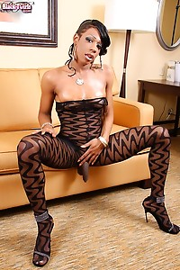 North Carolina Ebony Tranny Kimora Likes to Wear Outfits That You Can Rip Off Her if the Occasion (o