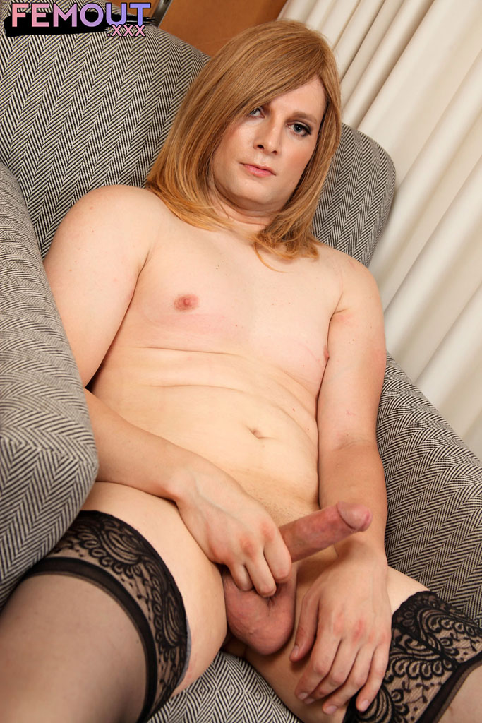 Tranny fucking girls on video