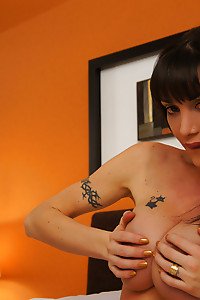 Tranny Mariana Cordoba makes us all jealous with her CockZilla
