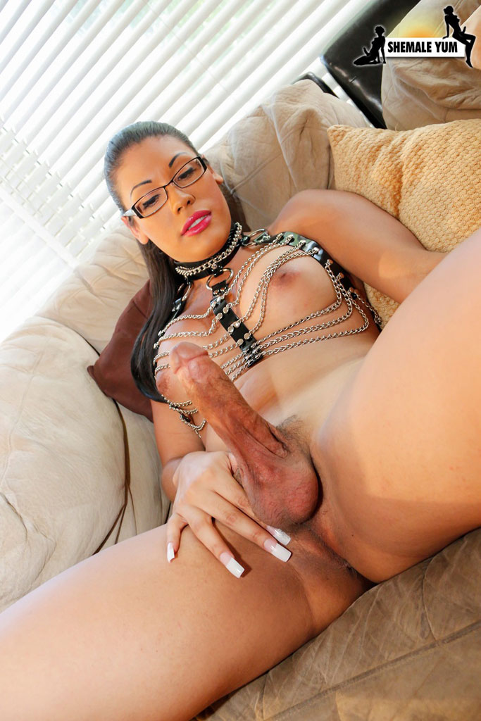hot young latin girl