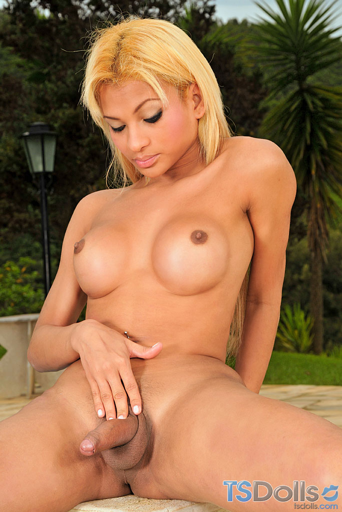 tranny tube blonde