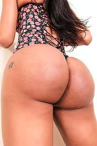 Bubble Butt Camila Klein