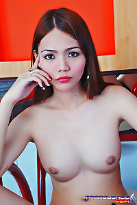 Cute Ladyboy Naked