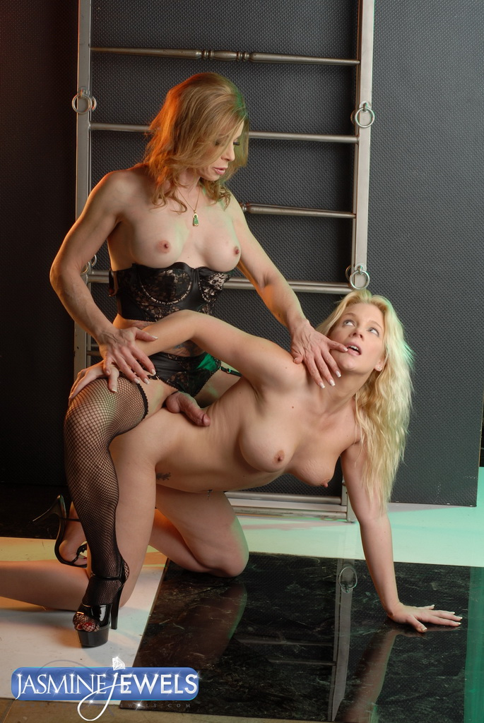 Фото в нижним белье трансвеститы