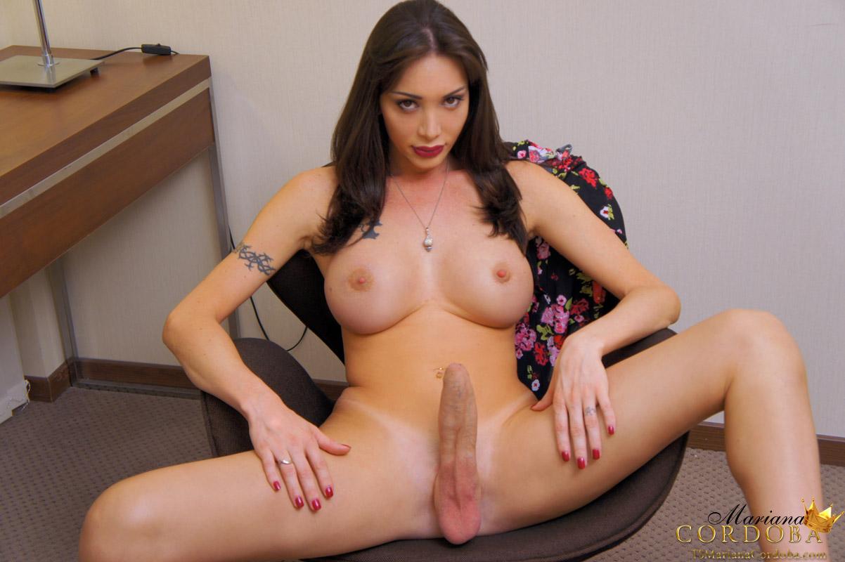 TS Mariana Cordoba has massive erect bigdick ...
