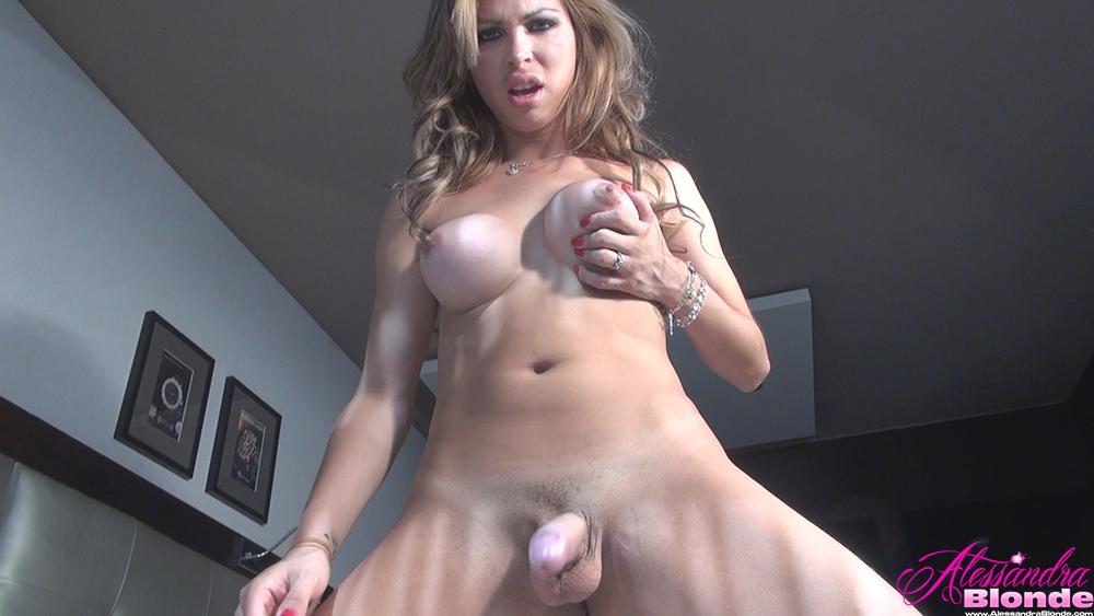 Girl gets fucke by tranny