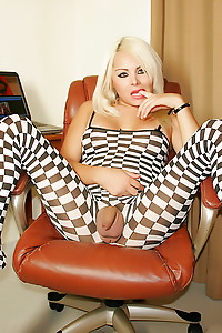Afrika Kampos in Checkered outfit