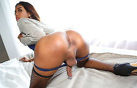 Asian petite shemale Layla B in a stunning solo fuck