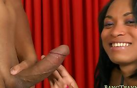 Hot shemale Samya Santos fucked wide open in the ass