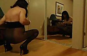VanessaTV teasing in her bedroom