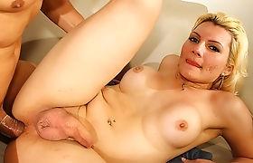 Sweet TS chick Jennyfer fucking