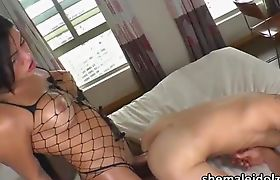 Gorgeous shemale Beatricy Velmont performs nasty bareback sex