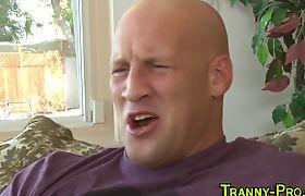 Tranny hooker gets facial