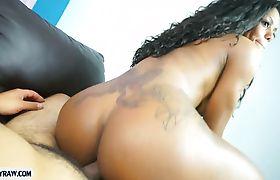 Dark skinned tranny beauty deepthroat blowjob and anal sex