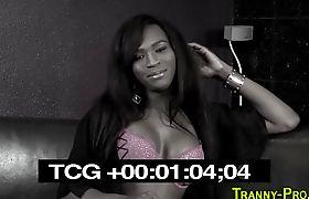 Ebony tranny jizzes face