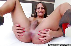 Latina shemale Lavany Bittencourt pole dances and masturbates