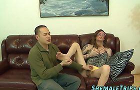 Tgirl gets dick sucked