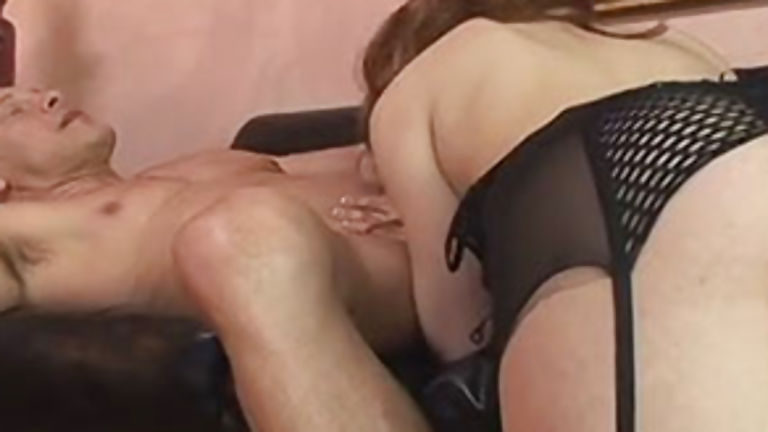 Blonde tranny with huge ass having anal sex